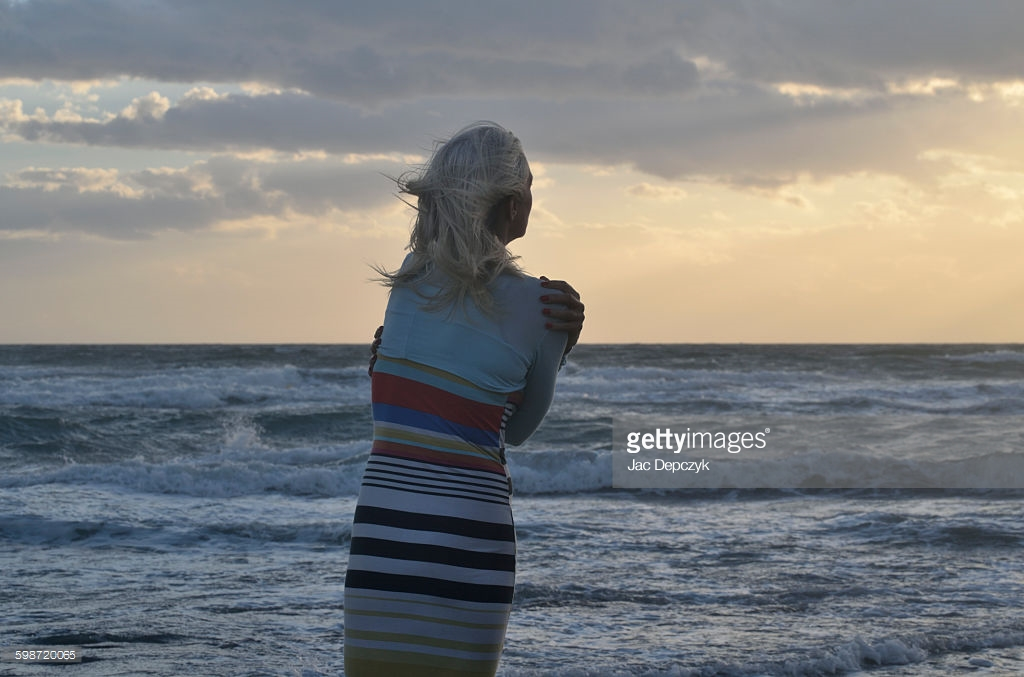 Beach_hug